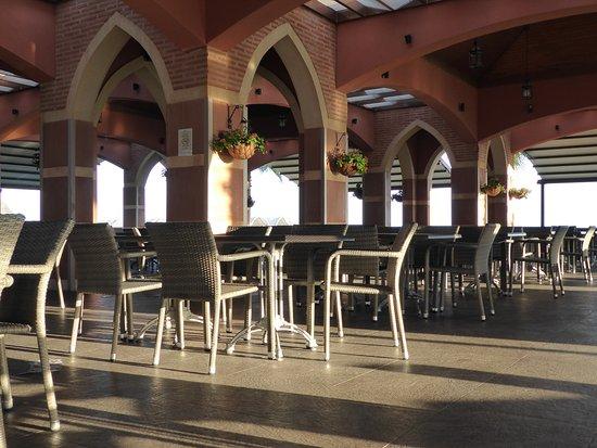 Club Mega Saray: Snack-Restaurant am Strand