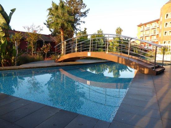 Club Mega Saray: Swim-in-Bereich der Deluxe-Zimmer