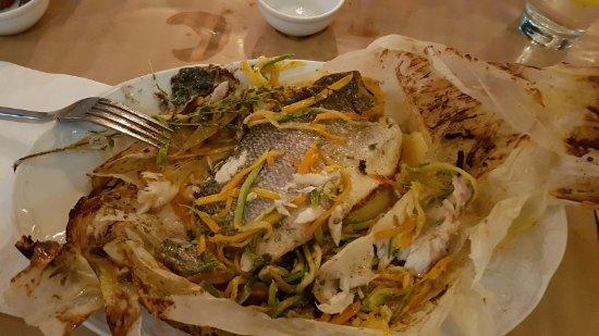 Taverna Mira: daurade en papillotte