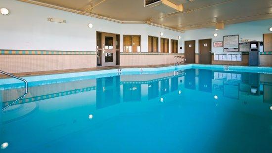 Best western grande prairie hotel suites updated 2018 prices reviews photos alberta for Swimming pools in grande prairie