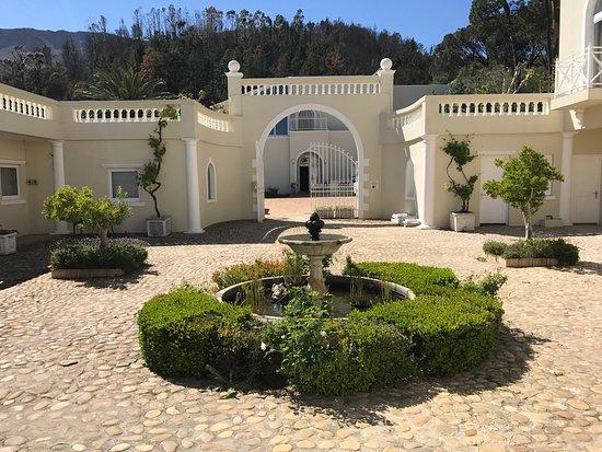 Cascade Manor: photo0.jpg
