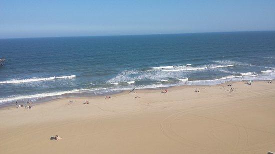 Best Western Plus Sandcastle Beachfront Hotel: 20170928_153331_large.jpg
