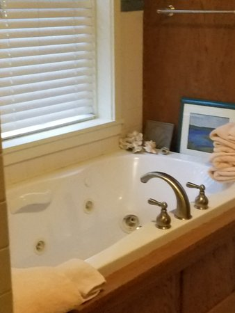 Jefferson, ME: Jacuzzi for first floor bathroom