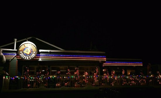 Silver Star, Канада: Light display on the patio side of the Bulldog Hotel