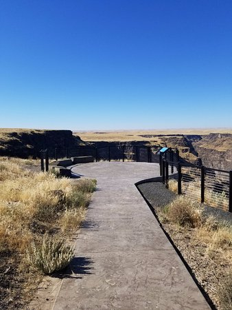 Bruneau, ID: Handicap ramp for overlook.