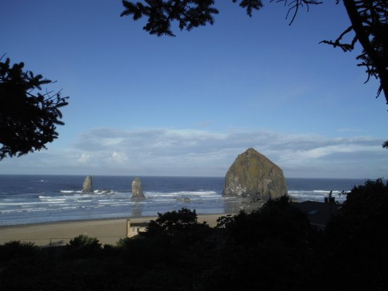 Cannon Beach, OR: Haystack Rock