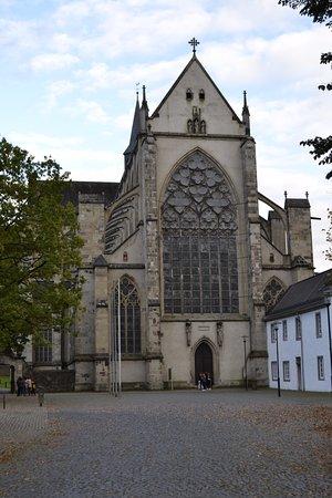 Altenberger Dom: Fachada principal de la catedral