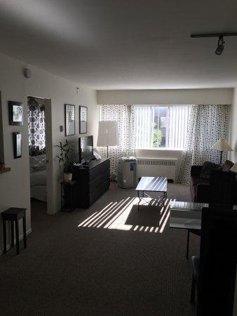Rosellen Suites At Stanley Park: photo3.jpg