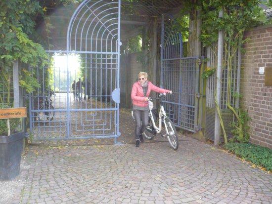 Kamp-Lintfort, Niemcy: Der Weg zu den Terrassen-Gärten.