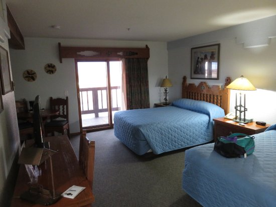 Cameron Trading Post Grand Canyon Hotel: Attractive nicely appointed rooms