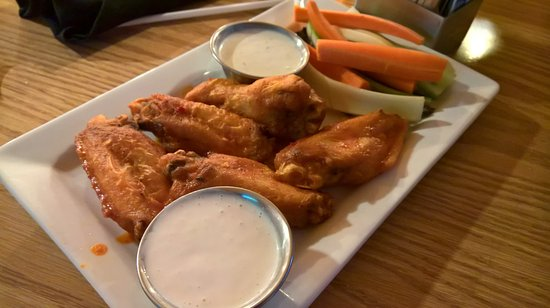 Glenwood Canyon Brewing Company: Chicken Wings.