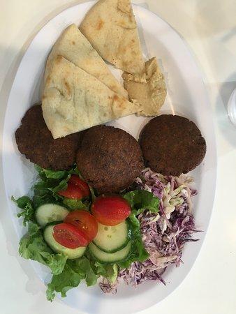 Nzuko Restaurant: Falafel plate