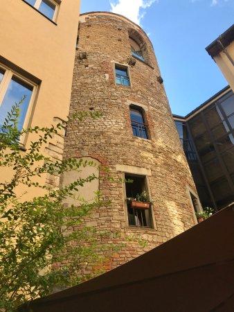 Hotel Brunelleschi: Front of Hotel