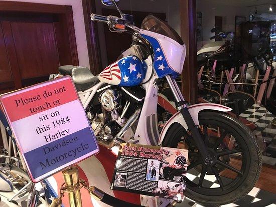 Nelson's Garage Car & Motorcycle Museum: photo1.jpg