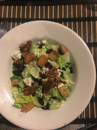 Ashland, MA: Salad with goat cheese and pecans