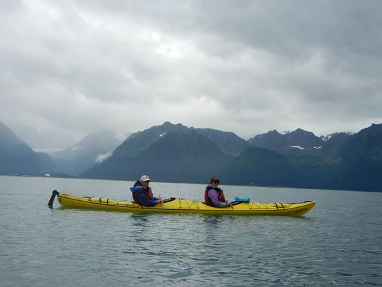 Sunny Cove Sea Kayaking: Tandem kayak - and we were still on good speaking terms afterwards! Beautiful scenery.