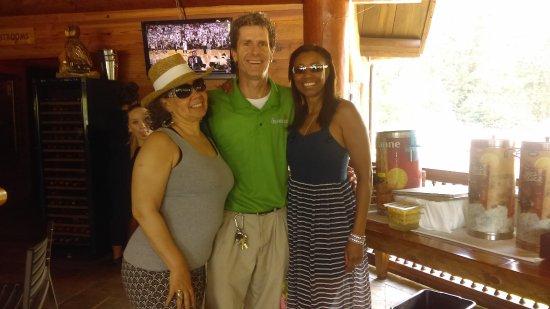 Clarkesville, GA: The Jim Carey Look Alike Manager