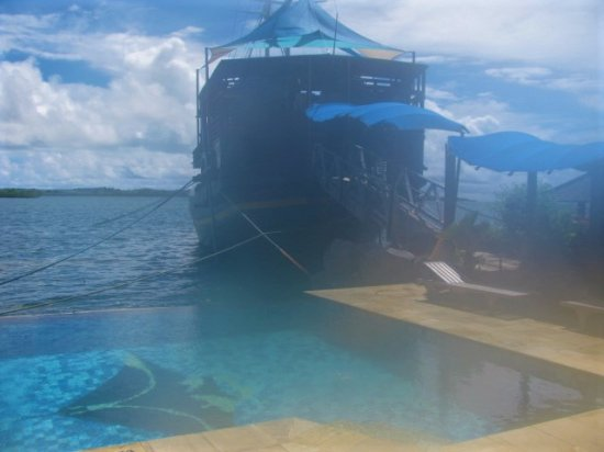 Colonia, Federated States of Micronesia: Floating pirate ship restaurant