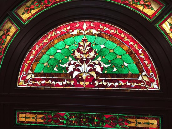 Montana State Capitol: Some of thé statines glass
