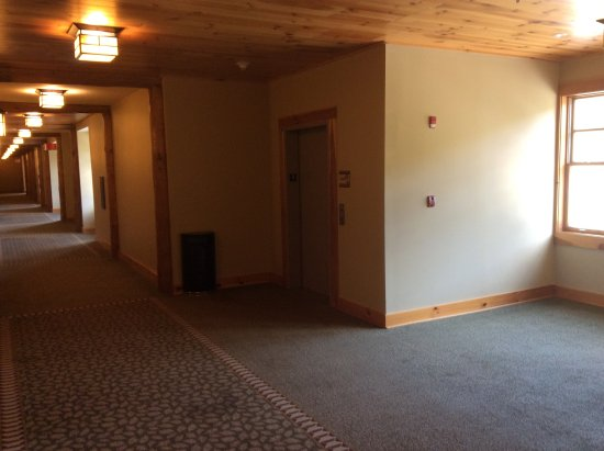 The Lodge At Mount Magazine: Bare Walls And Lack Of Furniture In Hallways