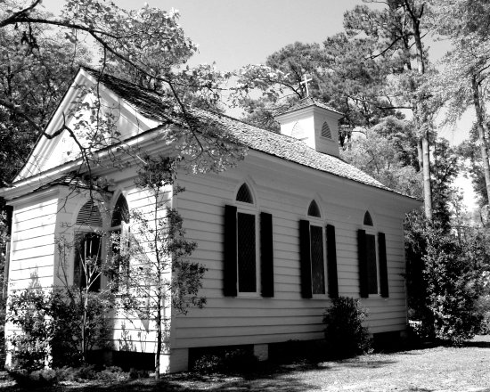 Airlie Gardens: Airlie Chapel