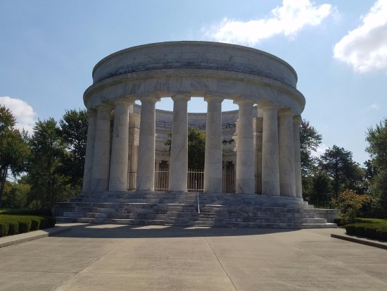 Marion, OH: The Harding Tomb and memorial.