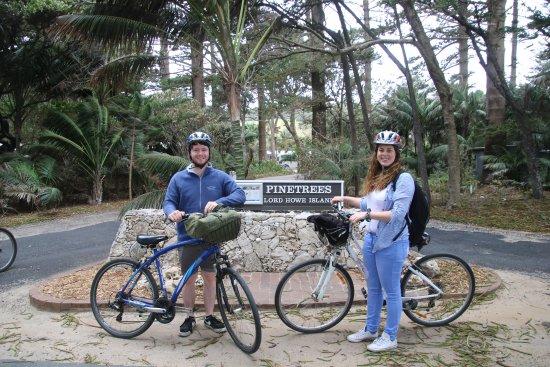 Pinetrees Lodge: Entrance to Pinetrees