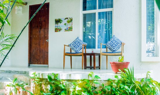 Luna Blue Hotel: Tropicall Hideway outside terrace