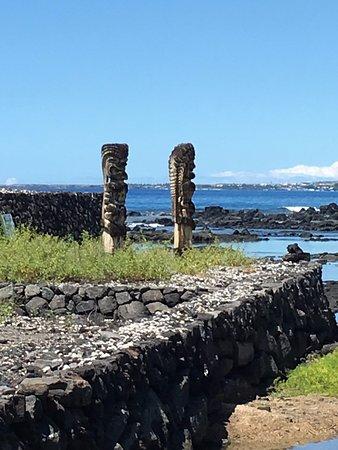 Keauhou, Hawái: Tiki statutues on the heiau