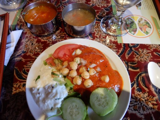 Note the two small soup bowls. The Tomato based dressing was spicy but excellent!