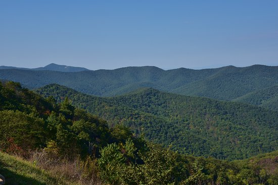 Hillside Motel: beautiful views while driving through Shenandoah National Park