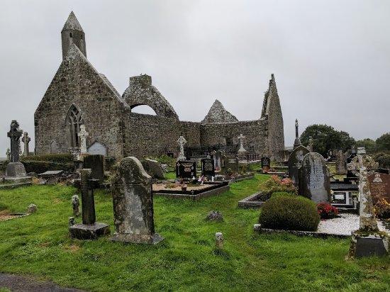 Cratloe, Ireland: Ruins