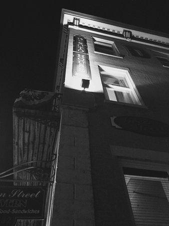 DeSoto House Hotel Picture