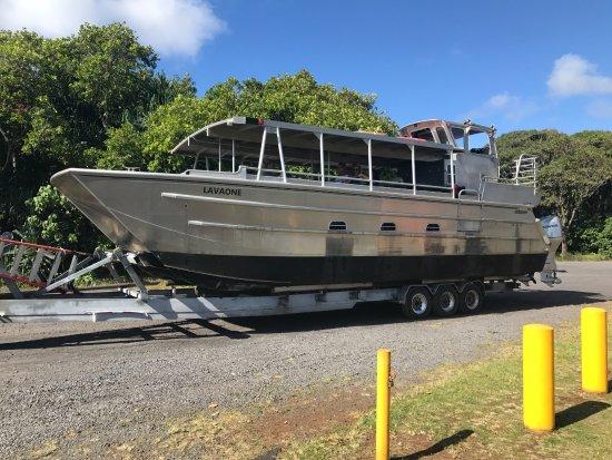 Pahoa, HI: specially made boat