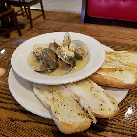 Selinsgrove, PA: Burger and fries, clam chowder, and littleneck clams