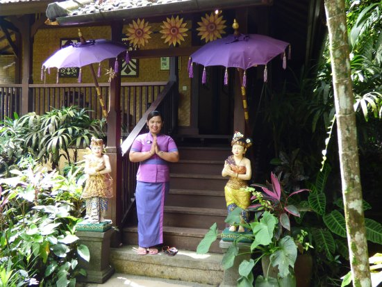 Bidadari Private Villas & Retreat: Greeting at Bidadari Spa