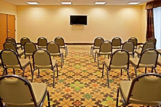 ปาล์มเบย์, ฟลอริด้า: Well lit Meeting Room with Flat screen TV