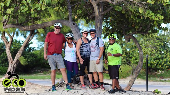 East End, Grand Cayman: The 4 of us with Shane