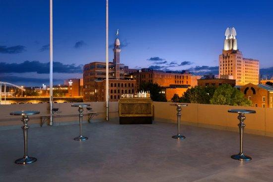 Radisson Hotel Rochester Riverside: Miscellaneous