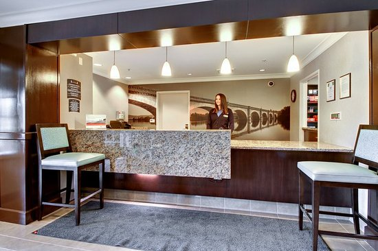Staybridge Suites Madison East: Reception