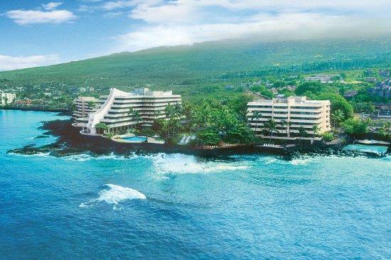 Royal Kona Resort: Exterior View