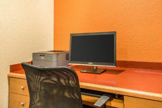 Sleep Inn & Suites Ocala - Belleview: Business center