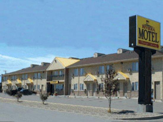 Riviera motor inn prices motel reviews saskatoon for Motor inn near me