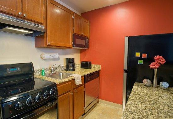 Sterling, Βιρτζίνια: Studio Suite Kitchen