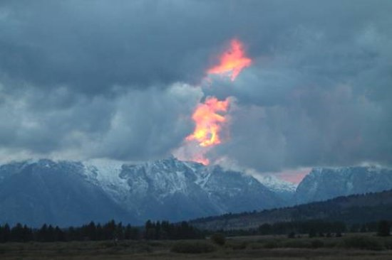 Luton's Teton Cabins: From the front porch of our cabin. Perhaps the most spectacular and intense sunset I have ever s