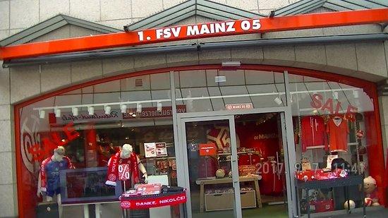 05 Fan Shop