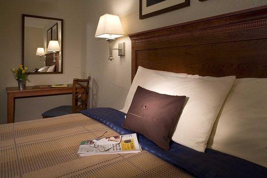 Candlewood Suites Flowood: One Bedroom King Suite - King Bed