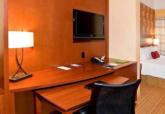 Troy, AL: Suite Work Desk