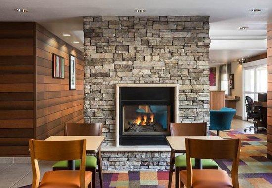 GreenTree Inn & Suites Mesa / Phoenix : Dining Area