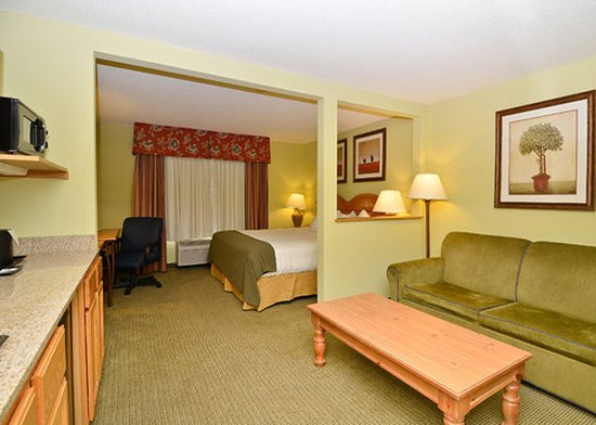 Black River Falls, WI: Other Hotel Services/Amenities